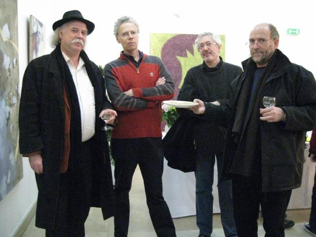 Figure 22 啪嗒学院成员在方索画展上,巴黎2010年